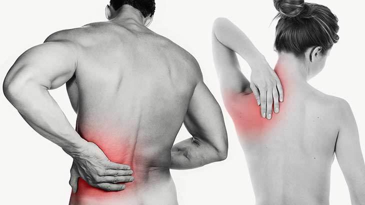 dor nas costas lado direito em cima