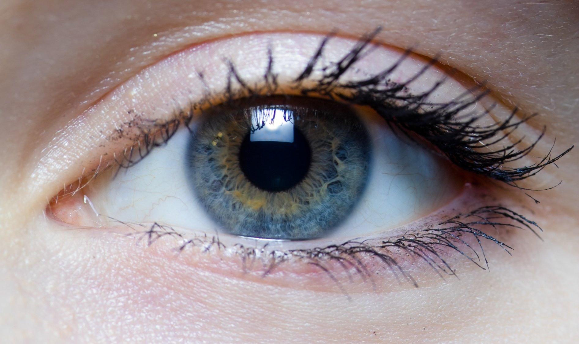 Tem dor atrás dos olhos? Estas são as causas!
