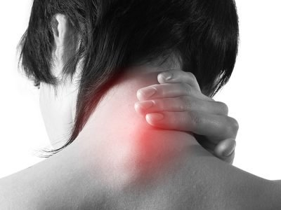 Como aliviar a dor do ombro e do pescoço?